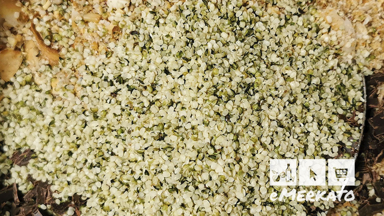 Domaća granola sa sjemenkama konoplje