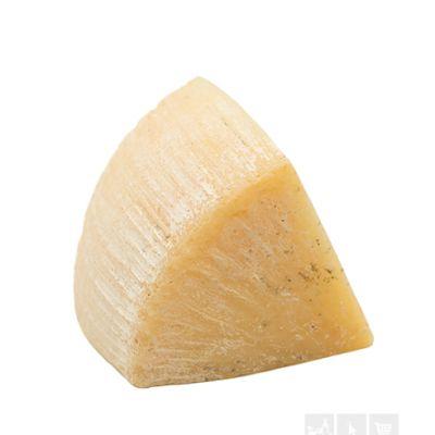 Domaci punomasni tvrdi kravlji sir